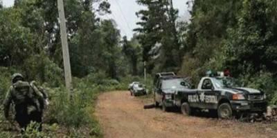 Matan a cinco policías que custodiaban un auto de Prospera
