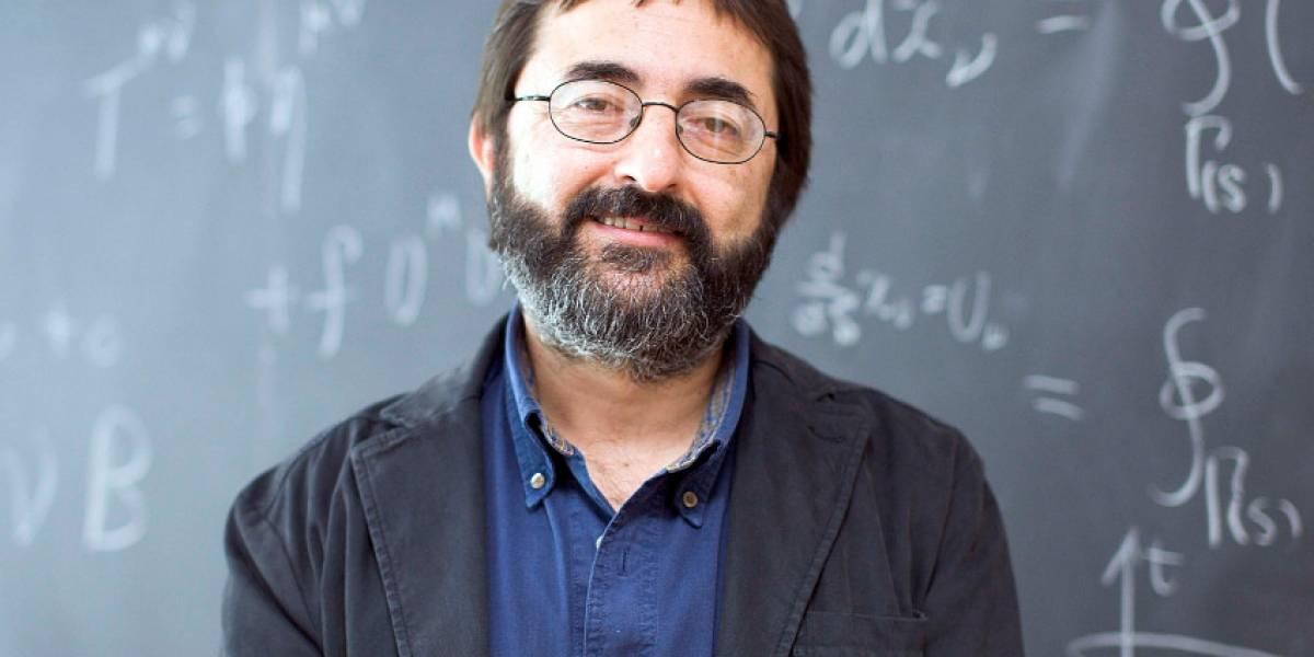 Científico guatemalteco es el director de uno de los centros más importantes de física teórica
