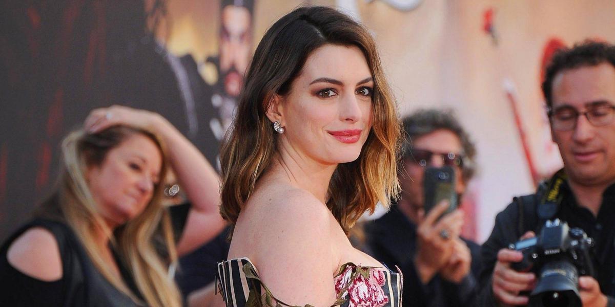 Anne Hathaway podría interpretar a Barbie