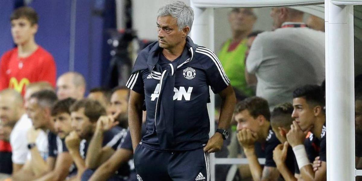 Mourinho afirma que Man U nunca tuvo intención de volver a fichar al Chicharito