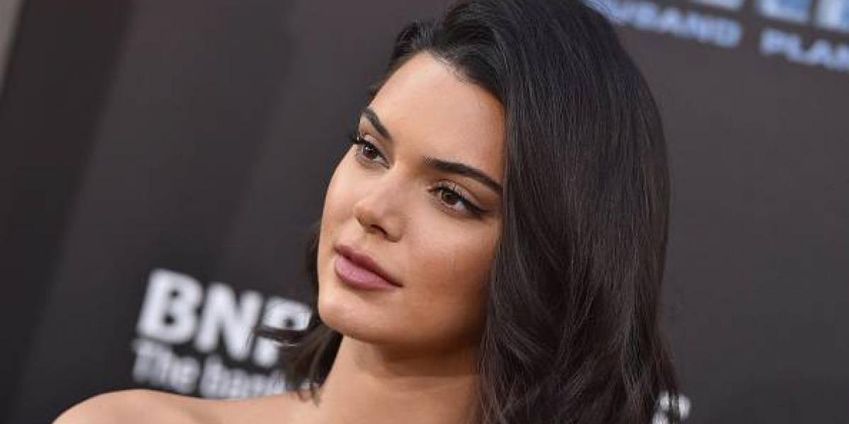 Kendall Jenner posó como Dios la trajo al mundo, desafiando la censura de Instagram