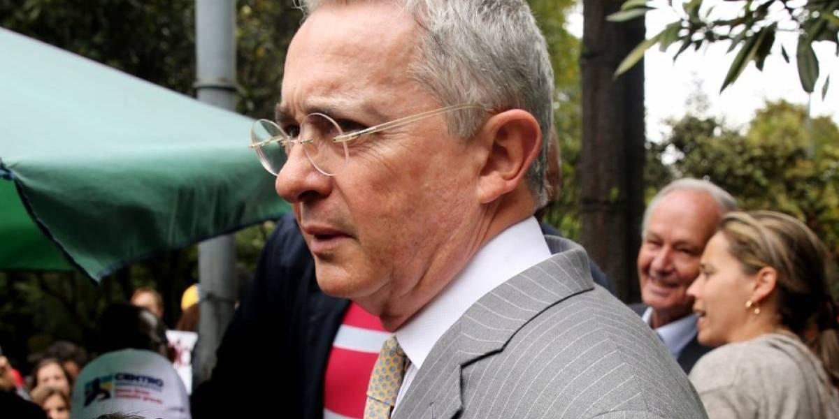 """""""¿Qué masacre de El Aro?"""", la frase de Álvaro Uribe a estudiantes en Cali"""