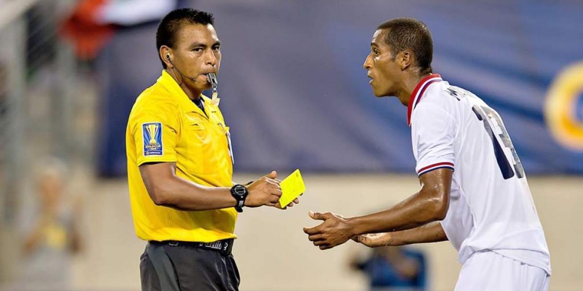 Walter López será el árbitro de la final de Copa Oro 2017