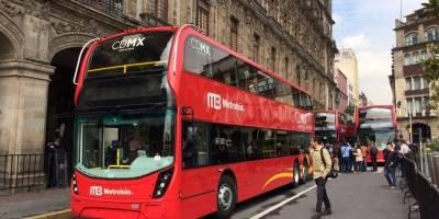 Presenta Mancera primeros autobuses para L7 de Metrobús