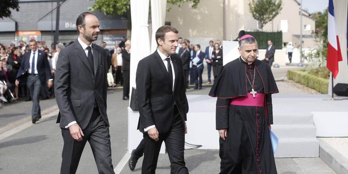 Francia rinde homenaje a sacerdote degollado por yihadistas