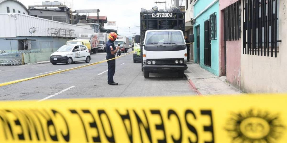 En asalto a camión, asesinan a ayudante que no pudo huir porque se paralizó del miedo