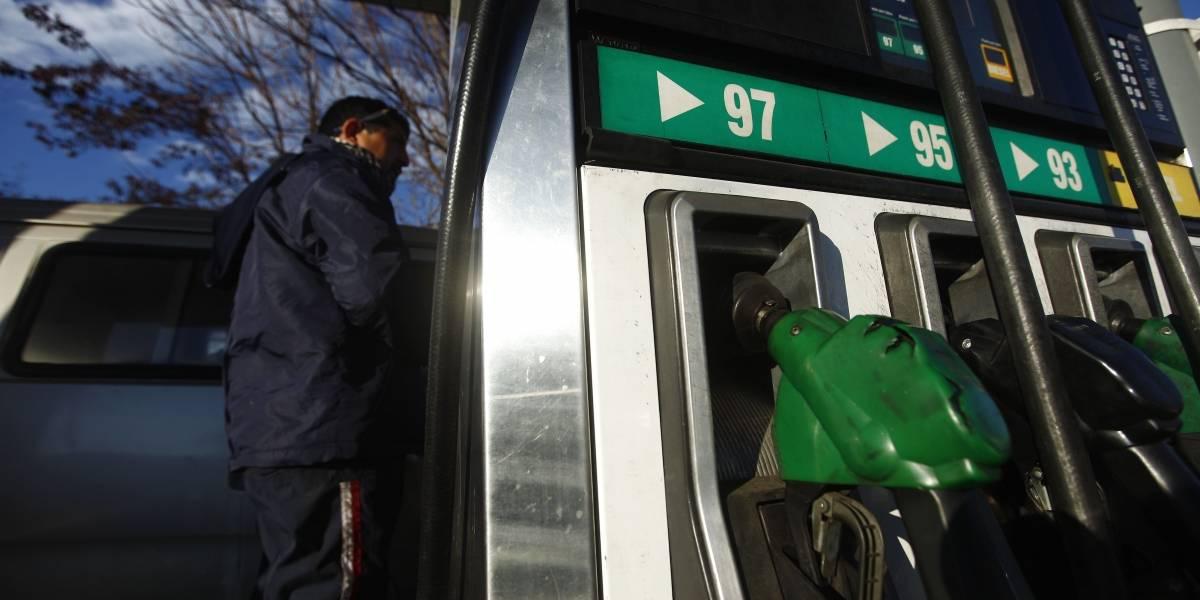 Cuidado al usar el auto en estos días: precio de las bencinas sube este jueves