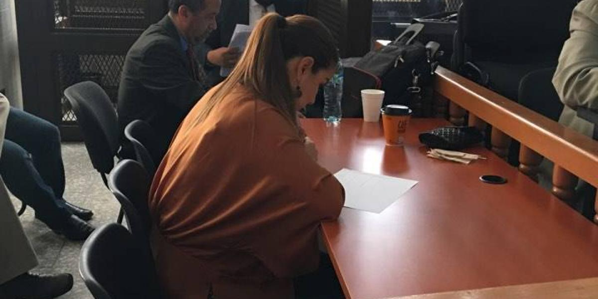 """Claudia Méndez, exintendente de Aduanas, afirma que pidió """"jalón"""" para regresar a Santa Teresa"""