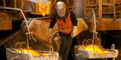 Precios del cobre oscilan cerca de máximos de más de dos años