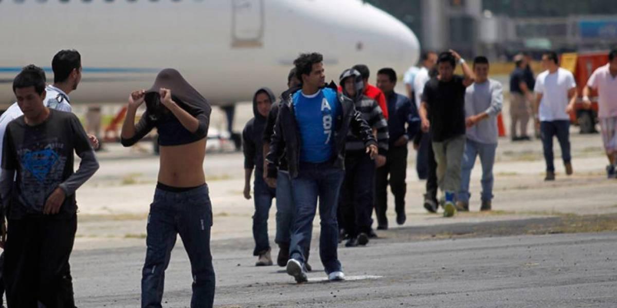 """Canciller: """"9 de cada 10 migrantes guatemaltecos se van del país por causas económicas"""""""