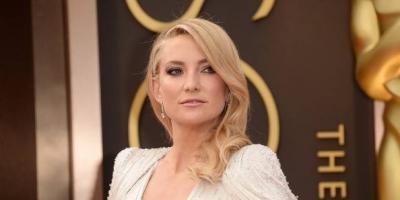 Kate Hudson impacta con la cabeza rapada