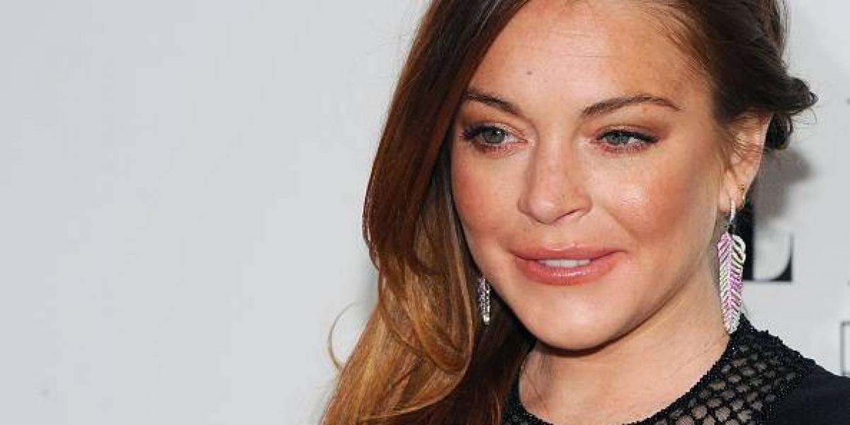 Lindsay Lohan demuestra que no le importan las críticas hacia su cuerpo en traje de baño