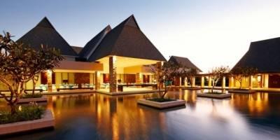 Senadores gastaron más de 2 mdp en viaje a Fiji: Reforma