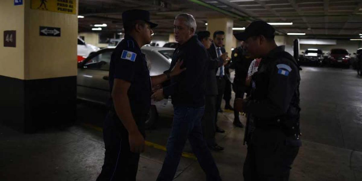 Otto Pérez Molina desafía a agentes de seguridad de Tribunales dos días seguidos