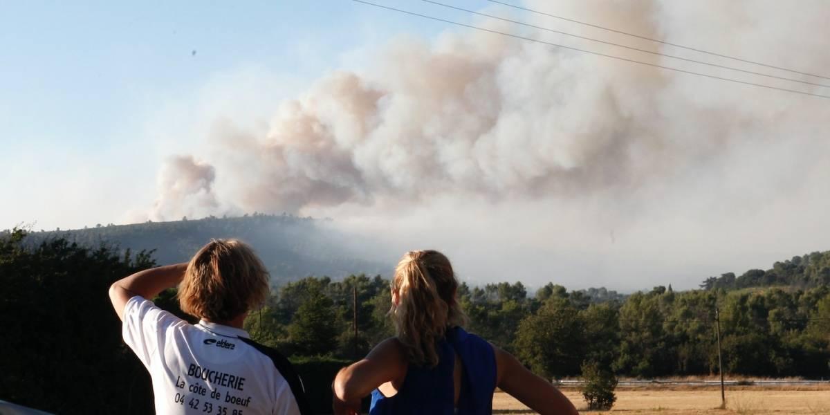 Francia desaloja a 12 mil personas por incendios en la Riviera