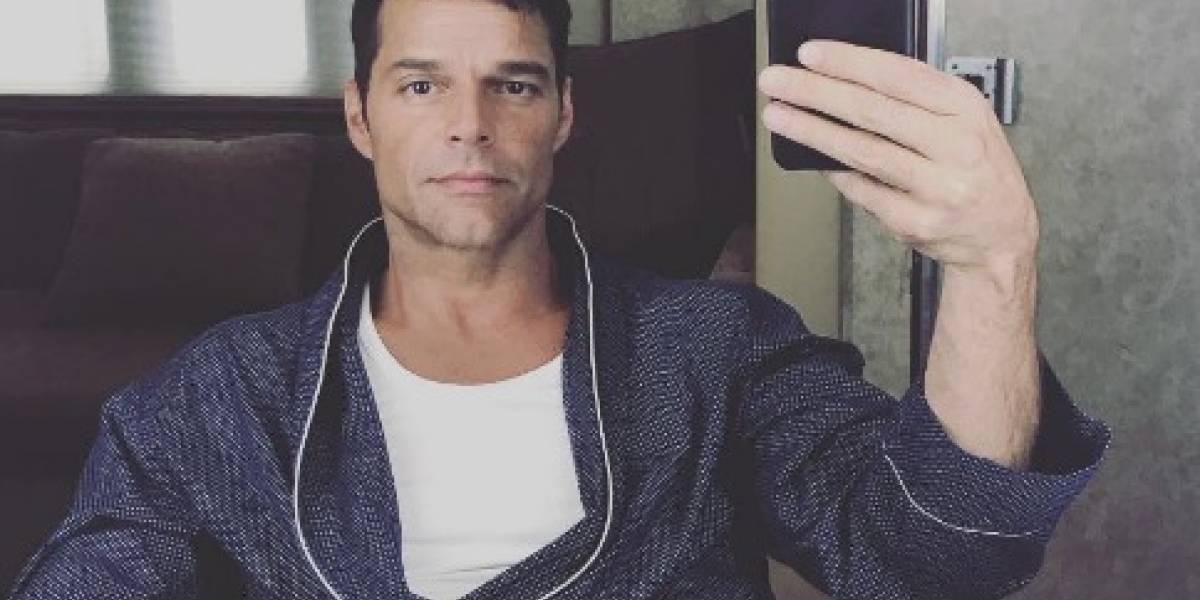 Ricky Martin se despoja de su ropa interior
