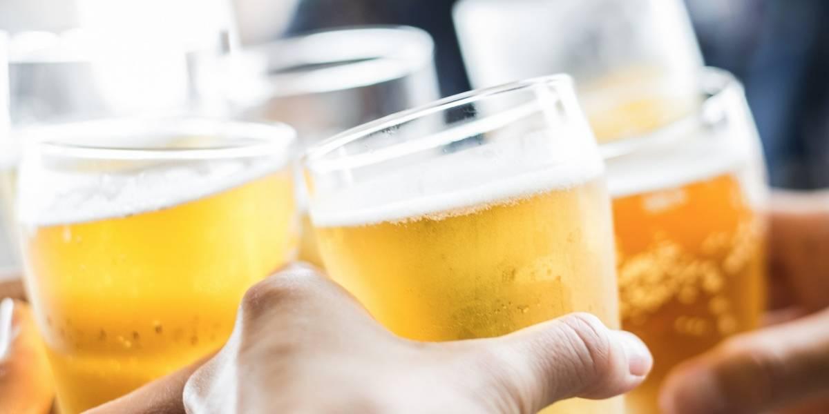 EE.UU. advierte a turistas de alcohol adulterado en México