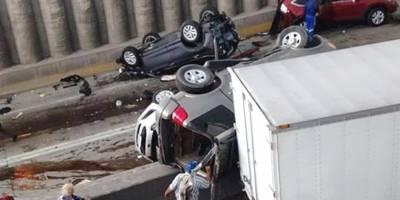 Suman 15 los vehículos dañados en choque múltiple sobre carretera a Nogales