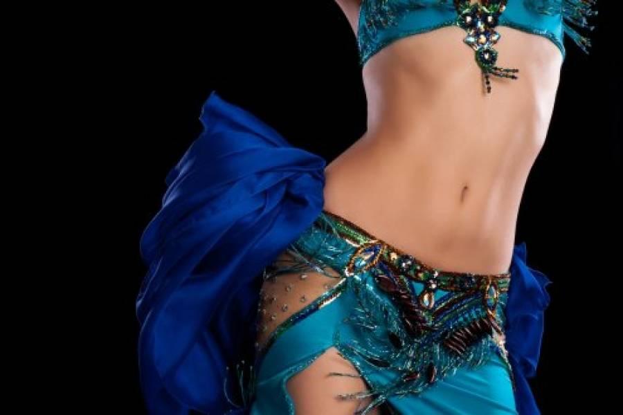 Twist de cadera, la rutina de belly dance que afinará tu cintura