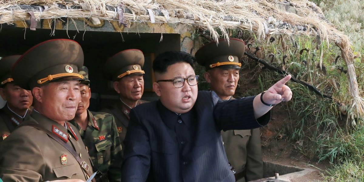 Corea del Norte lanza misil en inusual prueba nocturna