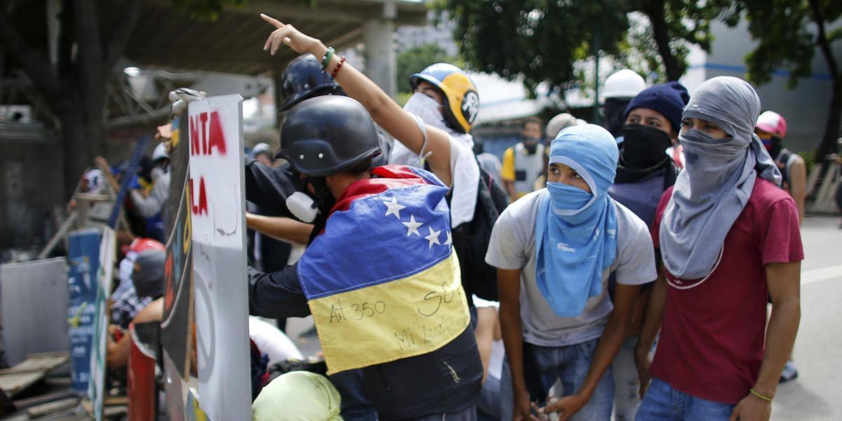 Continúa el paro general en Venezuela tras 3 muertos y 159 detenidos ayer