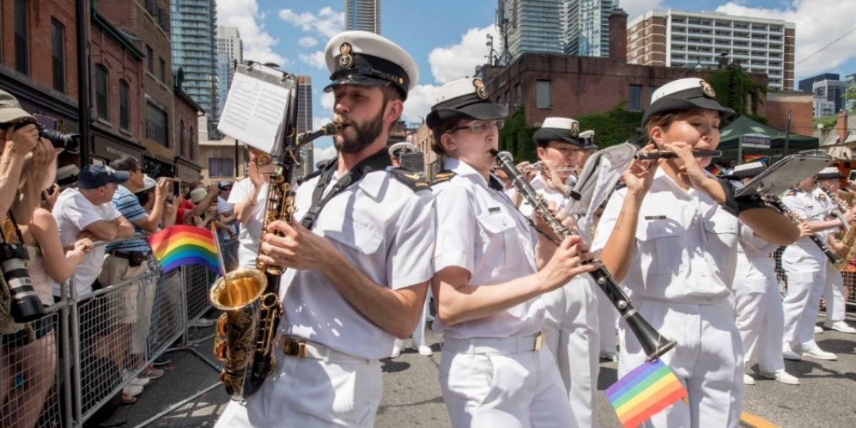 """""""¡Únete!"""": Canadá responde a Trump invitando a las personas de """"todas las orientaciones sexuales"""" a unirse a su Ejército"""