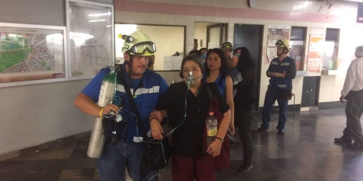 Trasladan a 10 personas a hospital por humo en estación Juanacatlán