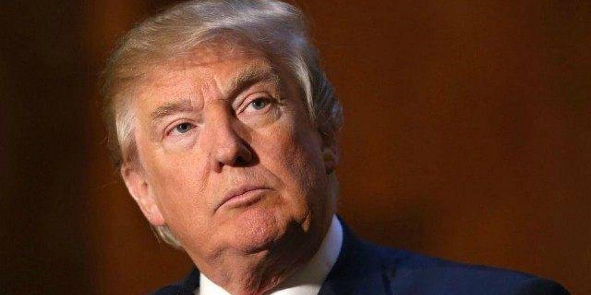 Trump registra sus niveles más bajos de popularidad como presidente