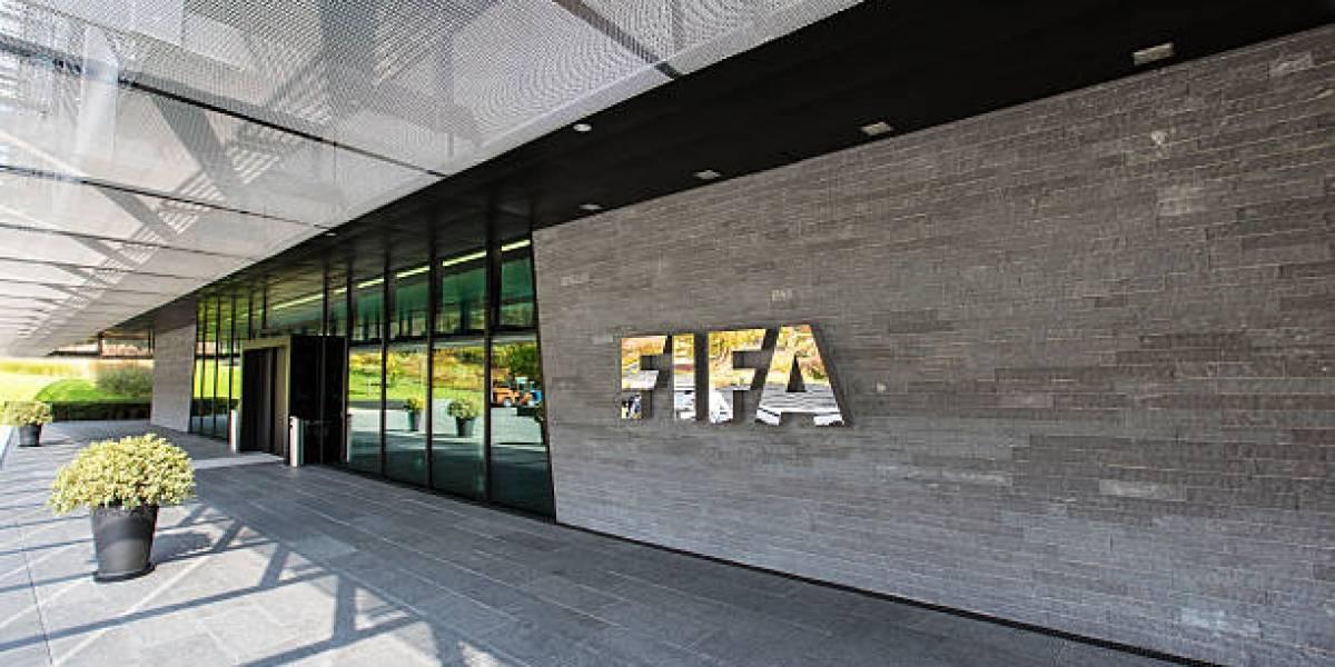 FIFA podría dejar a Chile fuera del Mundial y los torneos internacionales por el caso Barnechea