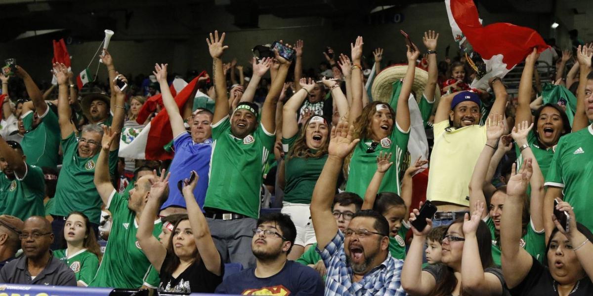 Aficionados piden la salida de Osorio en la Final de la Copa Oro