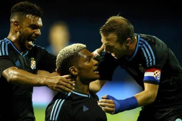 Junior Fernandes marcó un golazo en Europa League / Twitter