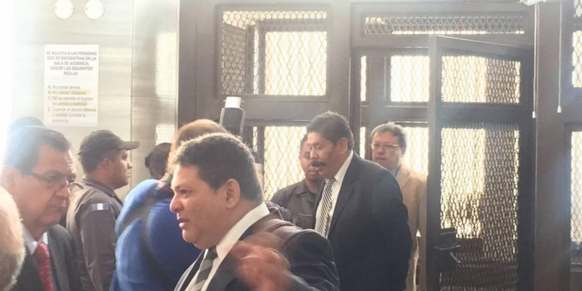 Aplazan resolución si envían a juicio a exalcalde Adolfo Vivar por desfalco
