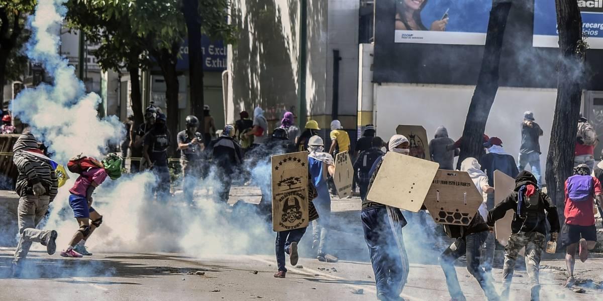 """""""Ríndanse, están derrotados"""": Maduro arremete contra la oposición durante jornada de """"gran protesta"""" previa a la Constituyente"""