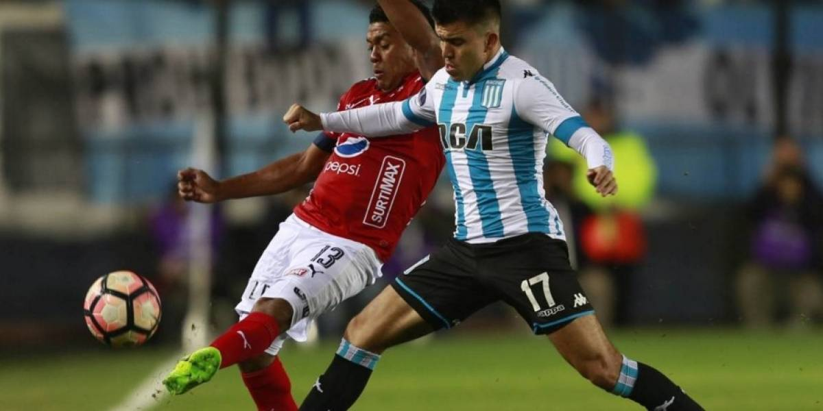Racing vence de remontada al Medellín y se inscribe en octavos de final