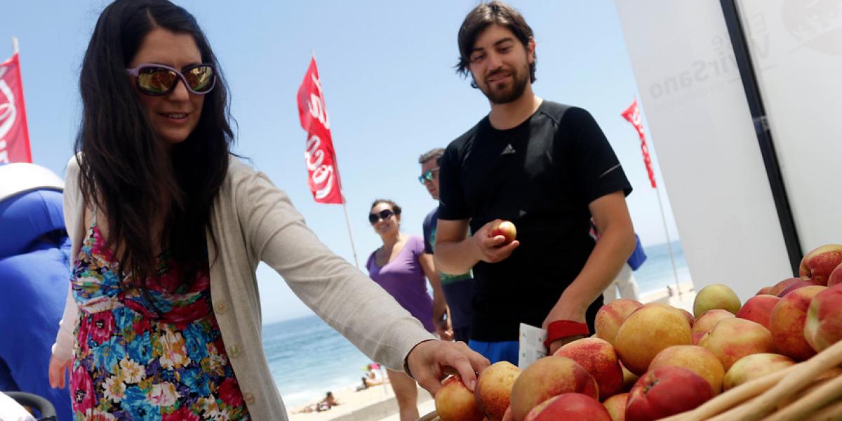 Mito o realidad: ¿lavar la fruta realmente elimina los pesticidas?