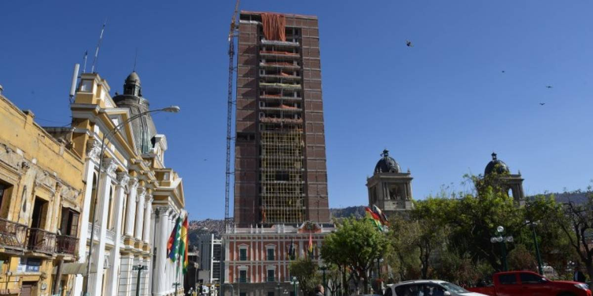 """""""La Casa Grande del Pueblo"""": así es el palacio presidencial de 28 pisos que construye Evo Morales"""