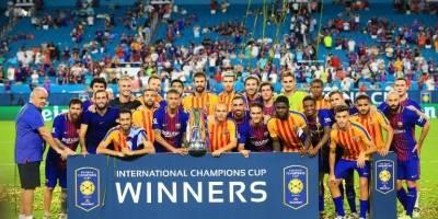 Los jugadores del Barcelona celebran