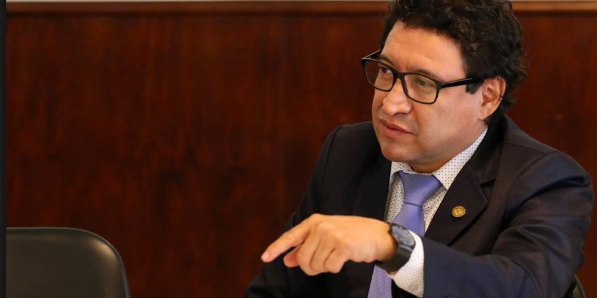Fallece el diputado Álvaro Velásquez
