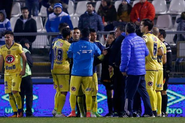 El Campanil no quedó contento con la decisión de los árbitros / imagen: Agencia UNO