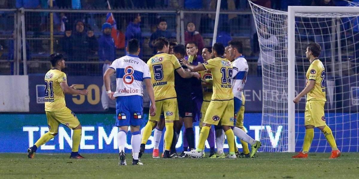 La UC empezó el Transición con un deslucido y polémico empate ante U.de Concepción