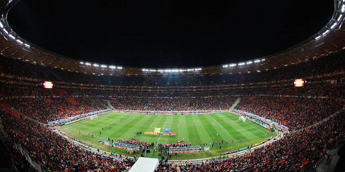 Mueren dos personas en estampida durante partido en Sudáfrica