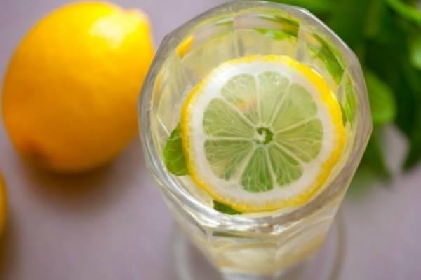Bicarbonato limón y agua para adelgazar