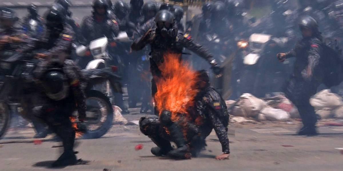 Un policía herido tras explosión de dos motos de la guardia militarizada en capital de Venezuela