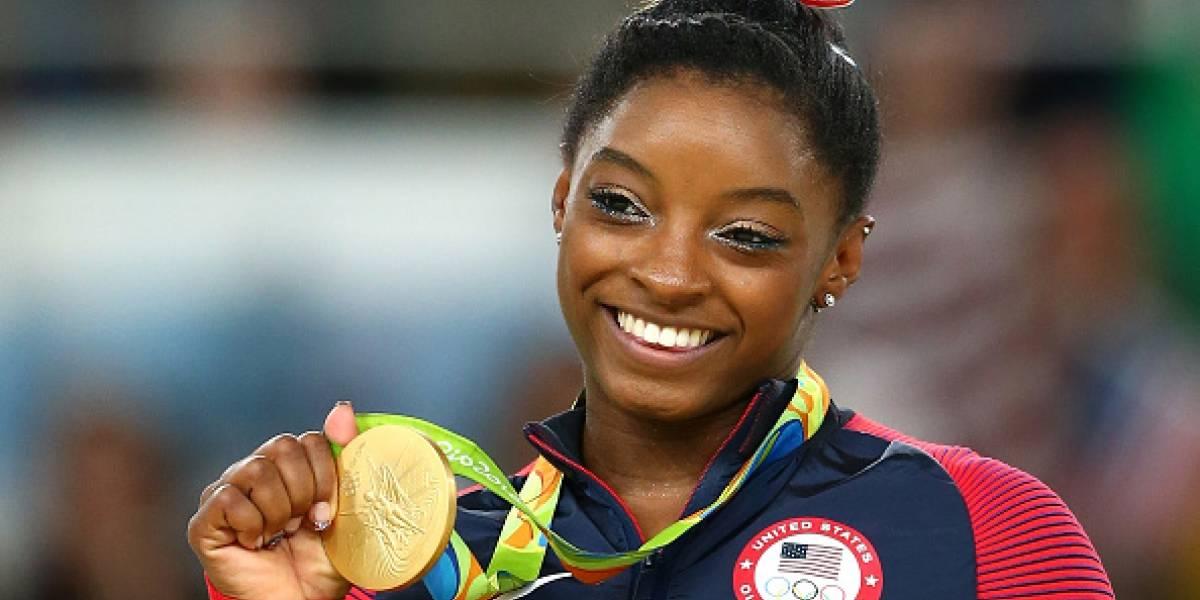 Simone Biles, medallista olímpica, también denuncia abusos sexuales