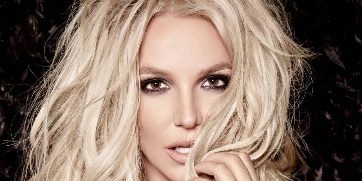 Britney Spears impacta haciendo ejercicios y no deja nada a la imaginación