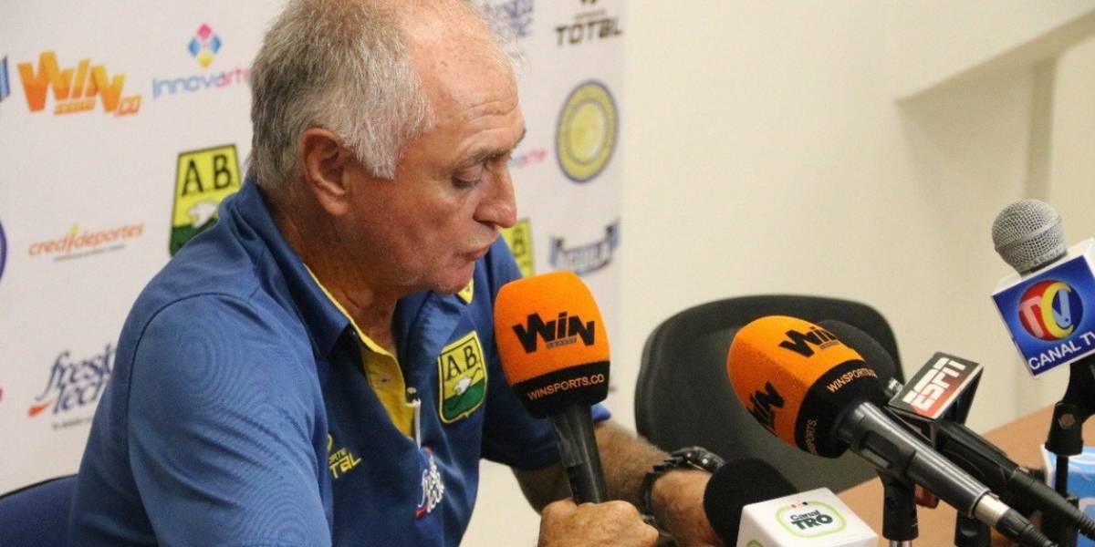 'Pecoso' Castro renuncia al Bucaramanga en medio de la polémica