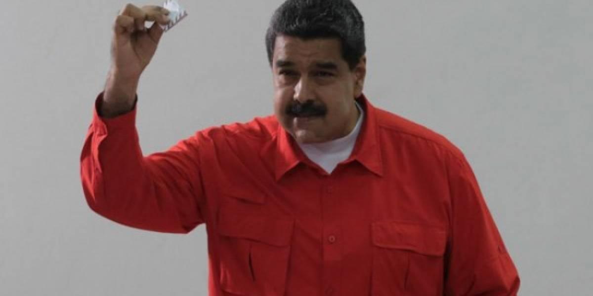 Maduro acude a votar para aprobar Asamblea Nacional Constituyente