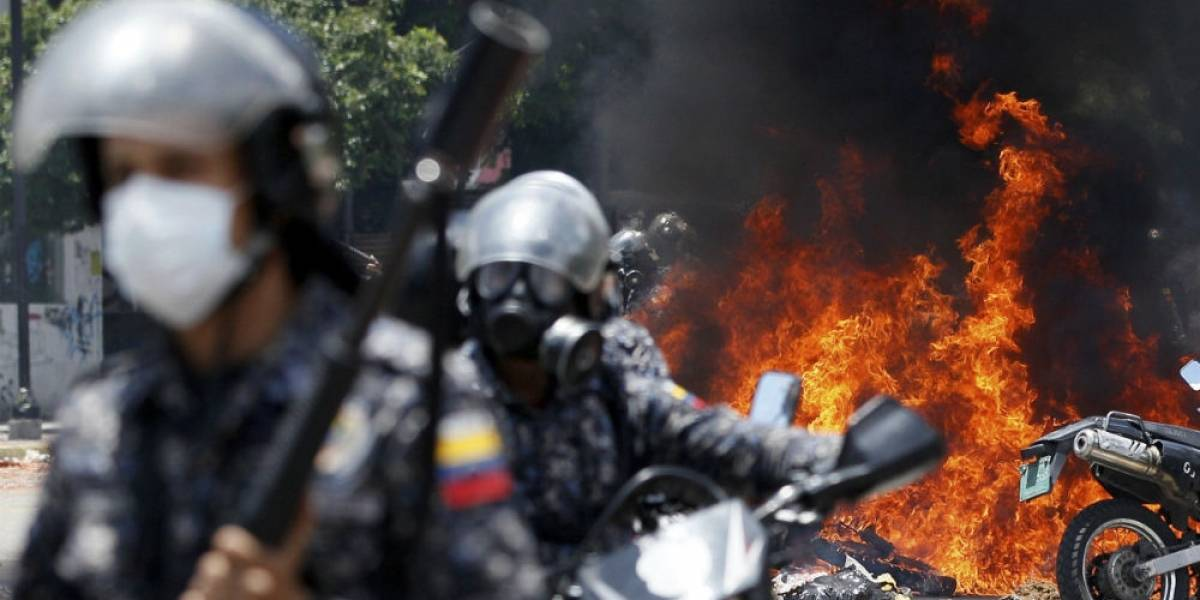 Fiscalía venezolana confirma muerte de 10 durante elección de la Constituyente