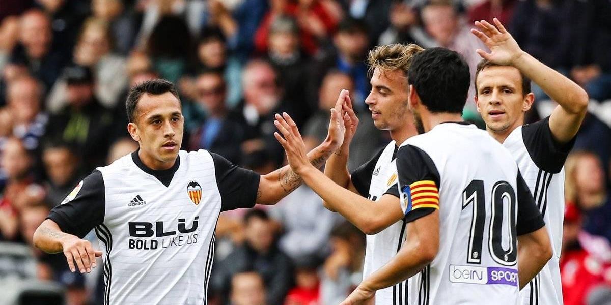 Fabián Orellana anotó un golazo y le dio la victoria al Valencia ante Bournemouth en amistoso
