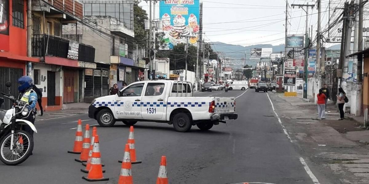 Reportan posible intoxicación por amoníaco en Villa Nueva y cierre de calles
